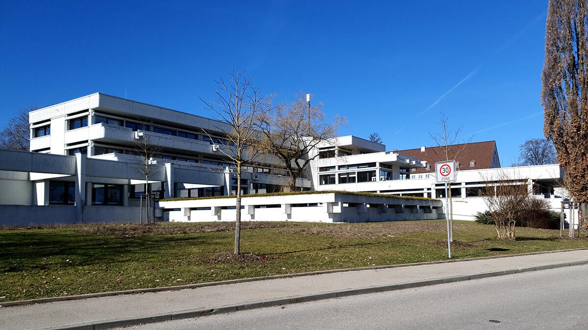 Öffentliches Gebäude 03 - Elektro Kronawitter